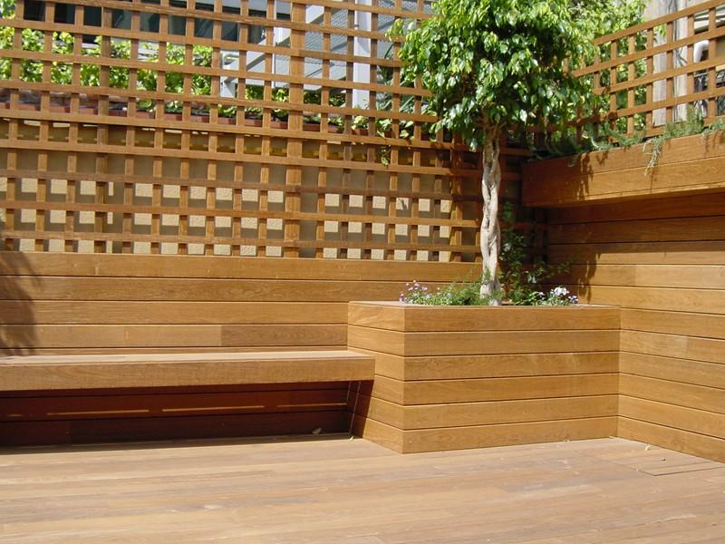 Terraza valla y celosias vivienda particular park house - Celosia de madera para jardin ...
