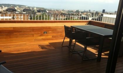 Instalación Tarima, Vallas y Jardineras de madera en Terraza de Vivienda Particular