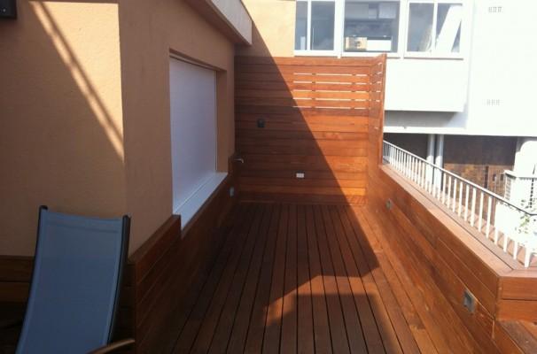 instalacin tarima vallas y jardineras de madera en terraza de vivienda particular park house studio parquet barcelona