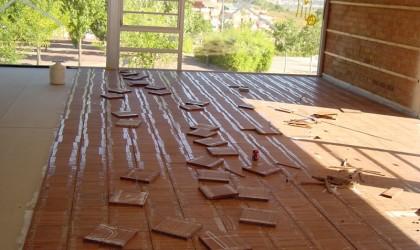 Suelo de parquet en Biblioteca Santa Coloma de Cervelló