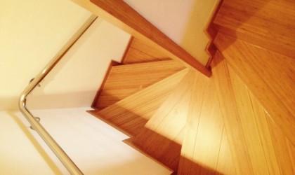 Escalera de Bamboo en casa particular
