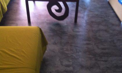 Instalación de suelo de parquet en comedor de casa particular