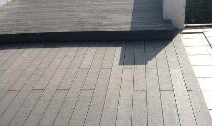 Suelo de tarima tecnológica en terraza particular