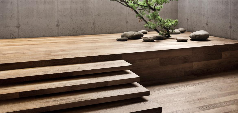 escaleras de madera interior