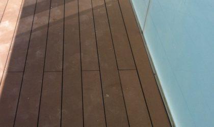 Terraza con tarima tecnológica de exterior en casa particular
