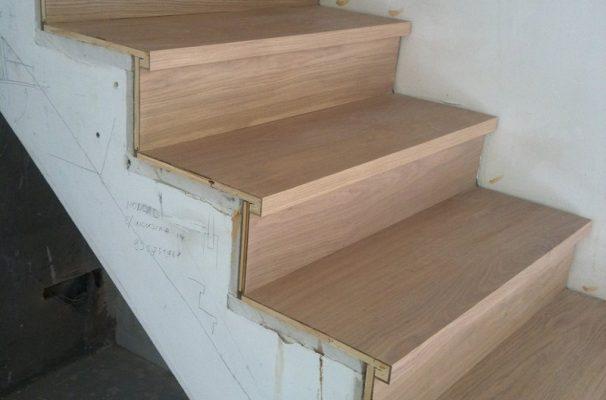 Madera para escalones pieza descansillo a derechas para for Escaleras de duplex