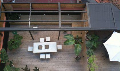 Colocación de pergola en la terraza interior de una vivienda