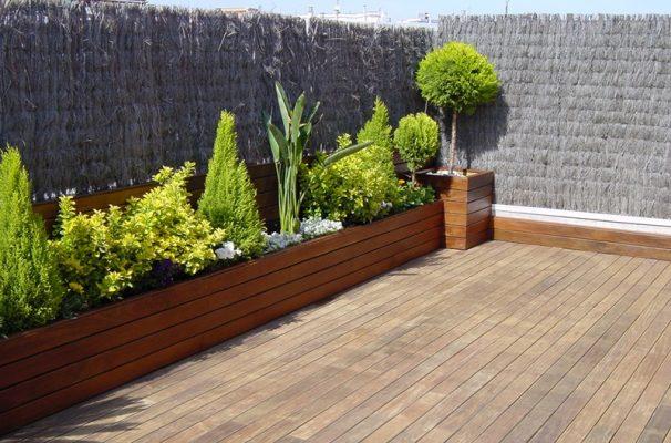 Valla terraza terraza con valla de plastico imagen - Jardineras para terrazas ...
