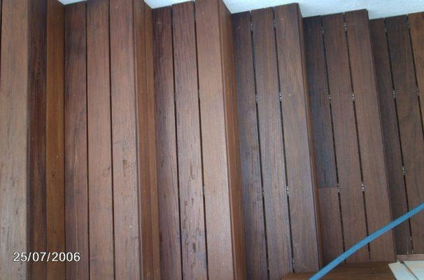 escaleras de madera natural en exteriores de sant vicen de montalt