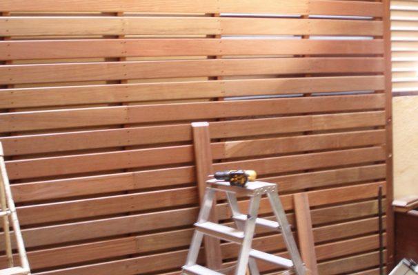 Valla terraza la verdad que la valla es baja y hay pisos para abajo que me da un acojone - Tarima madera interior ...